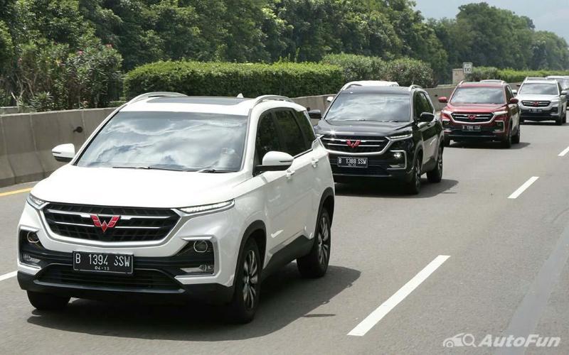 Irit Mana, Mobil Wuling Almaz atau Honda CR-V? 02