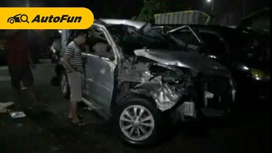 Tak Paham Rute, Daihatsu Terios Dihantam Truk Tronton di Tol Cikampek, Ini Pentingnya Perencanaan Perjalanan! 01