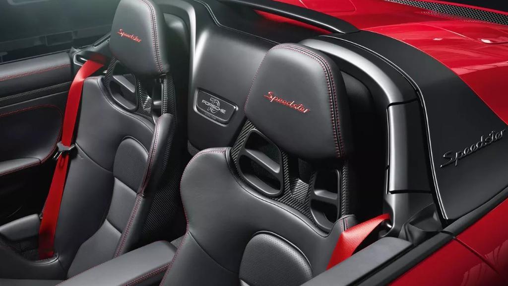 Porsche 911 2019 Interior 018