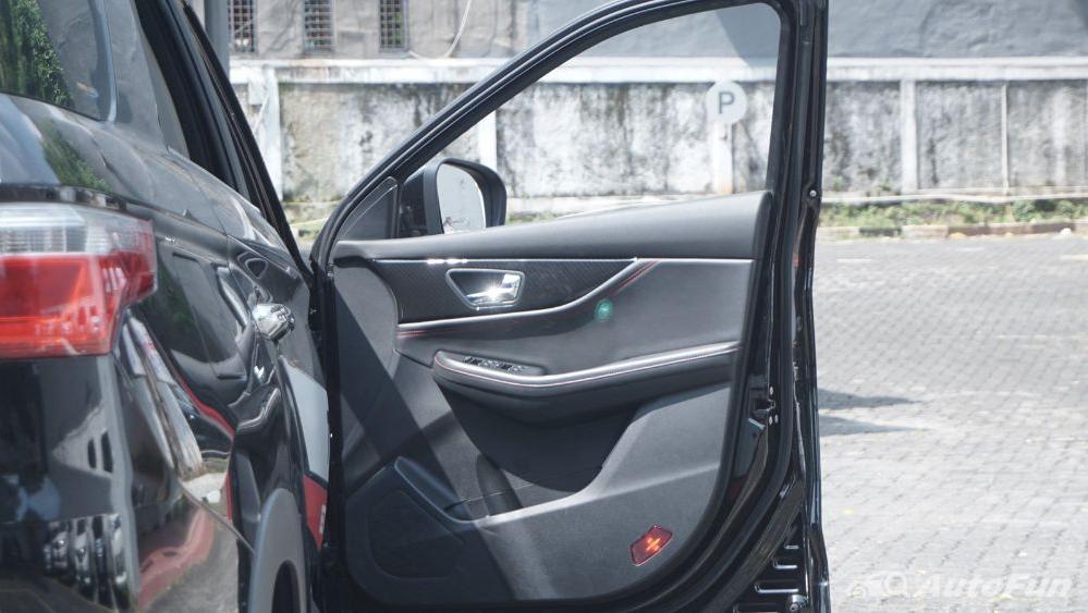 DFSK Glory 560 1.5L Turbo CVT L-Type Interior 032