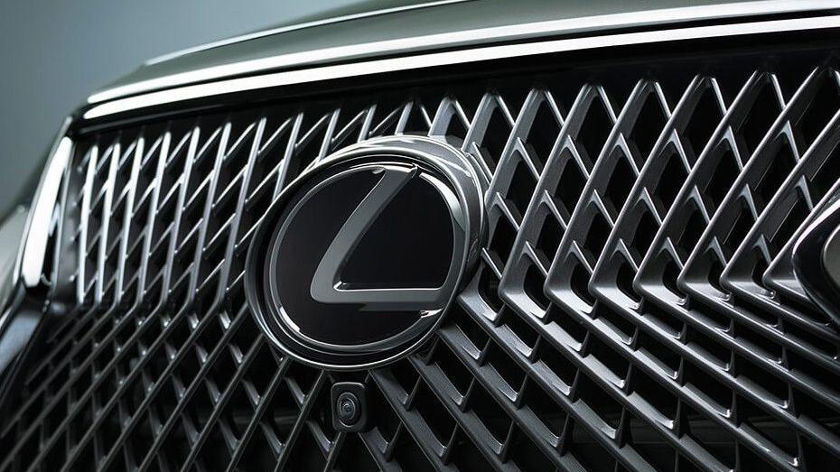 Lexus LS 2019 Exterior 013