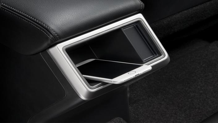 Mitsubishi Triton Exceed MT Double Cab 4WD Interior 005