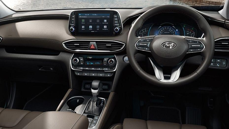 Hyundai Santa Fe 2019 Interior 002