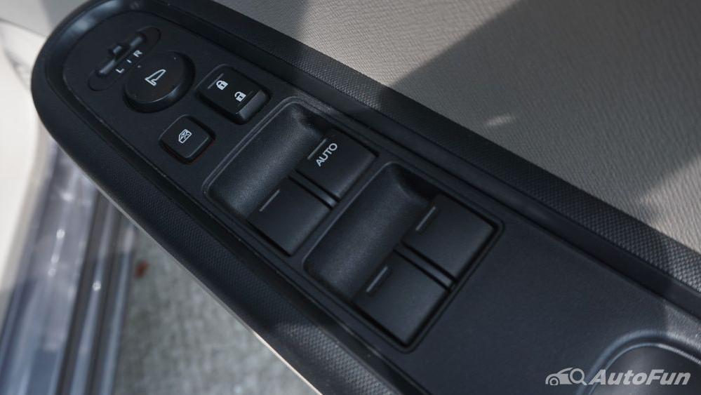 Honda Mobilio E CVT Interior 020