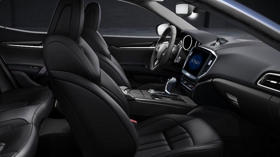 Maserati Ghibli 2019 Interior 012