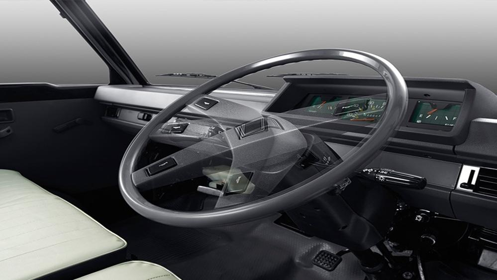 Mitsubishi L300 2019 Interior 001