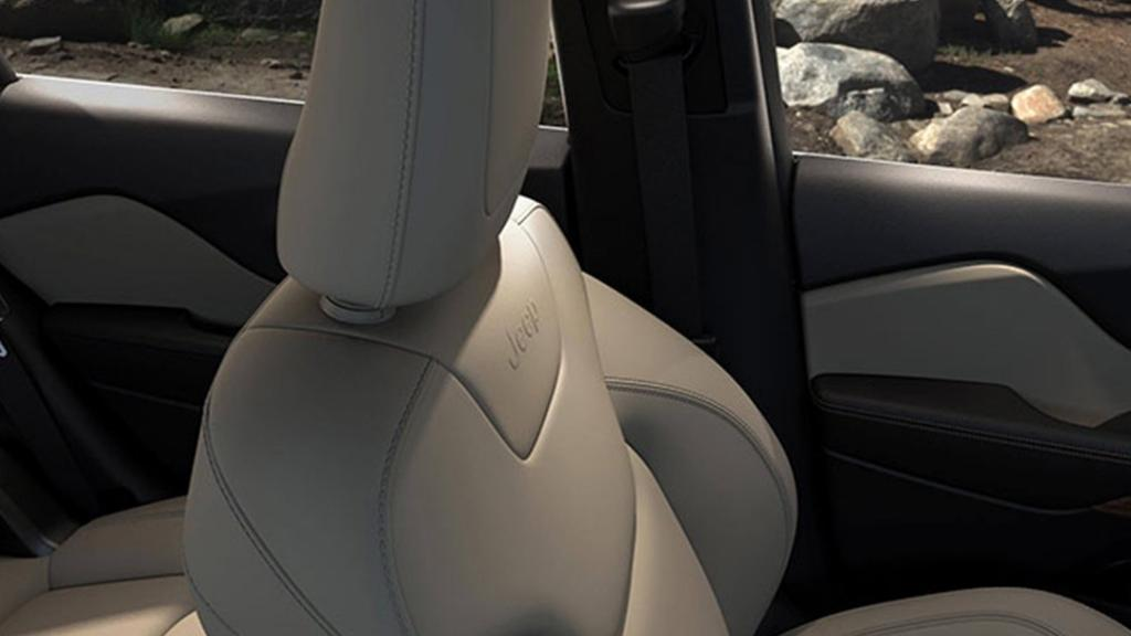 Jeep Cherokee 2019 Interior 019