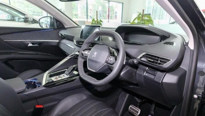 Peugeot 5008 2019 Interior 002