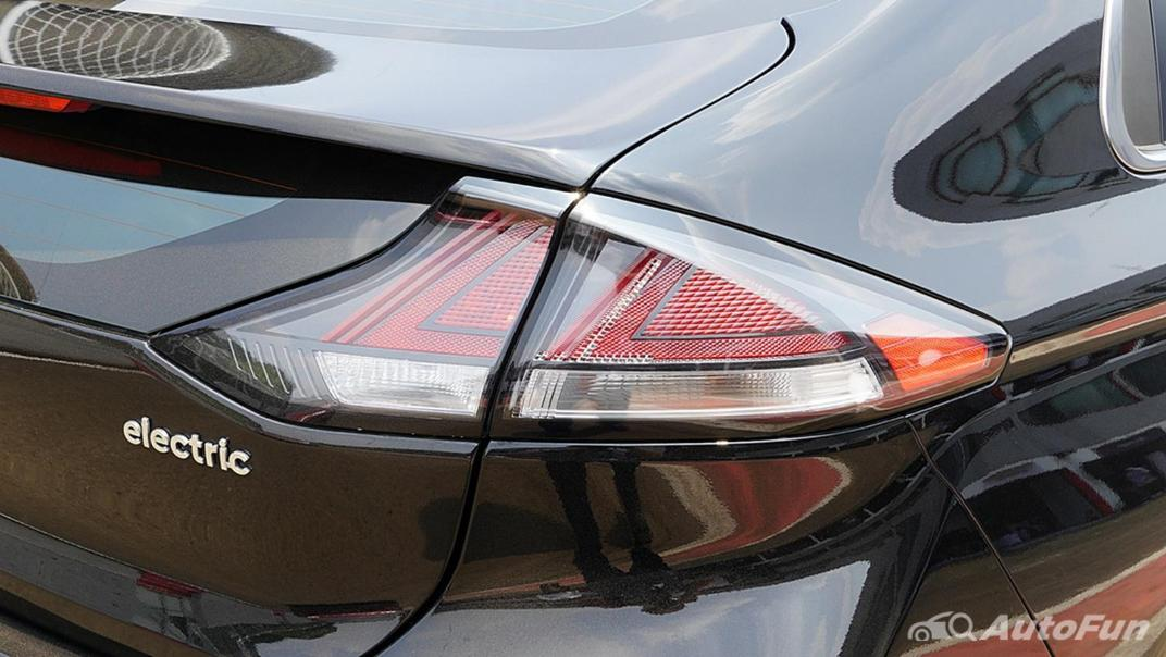 2021 Hyundai Ioniq Electric Exterior 012