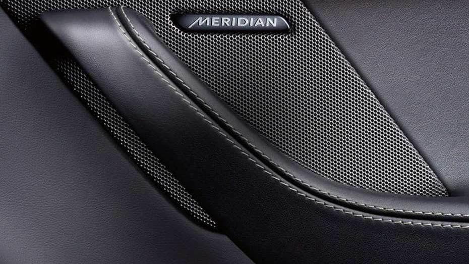 Jaguar F-TYPE 2019 Interior 013