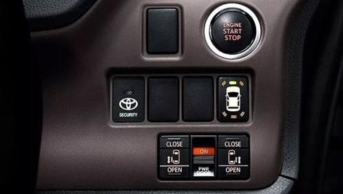 Toyota Voxy 2019 Interior 003