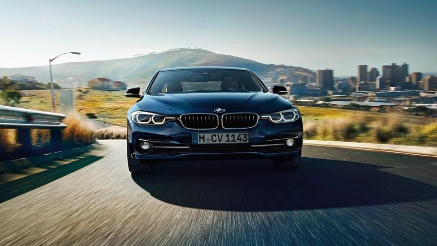 BMW 3 Series Sedan 2019 Exterior 010