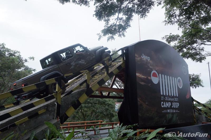 Mencicipi Jeep Gladiator Rubicon 2021, D-Cab Gagah Penarik Perhatian 02