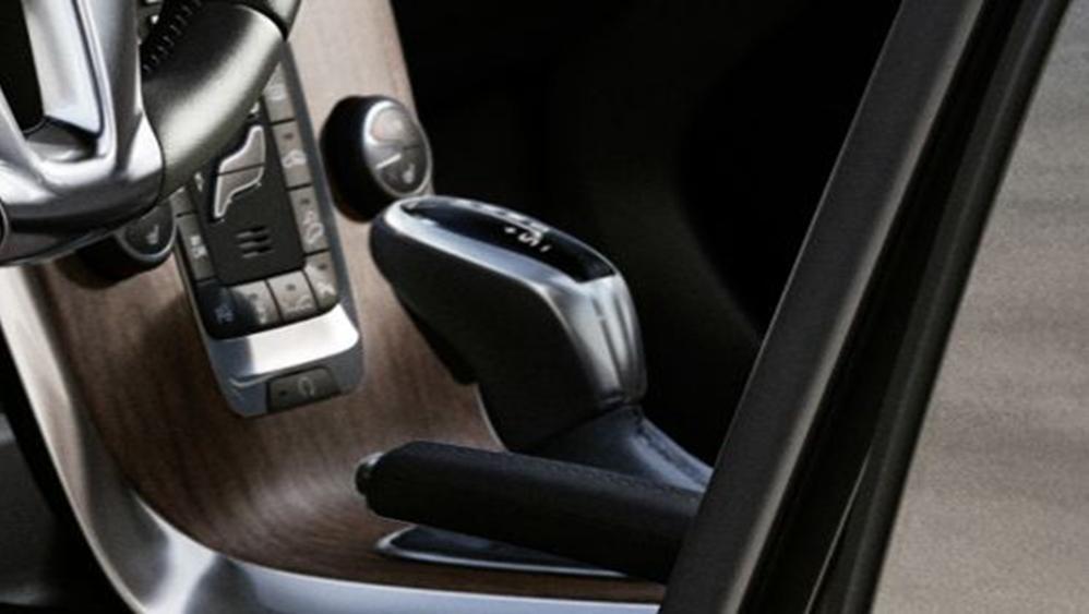 Volvo V40 Cross Country 2019 Interior 008