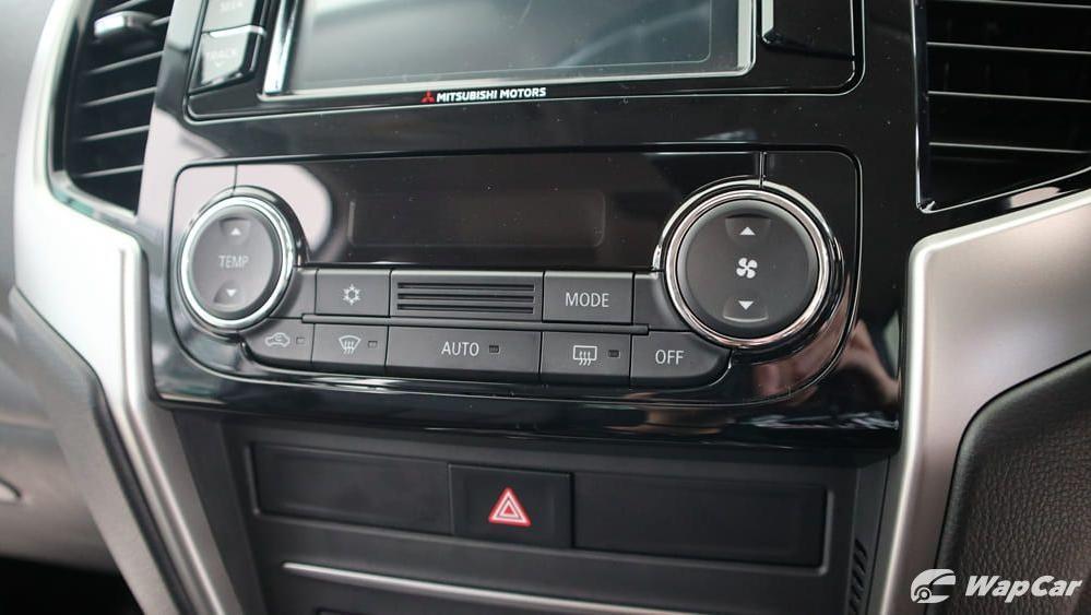 Mitsubishi Triton 2019 Interior 014