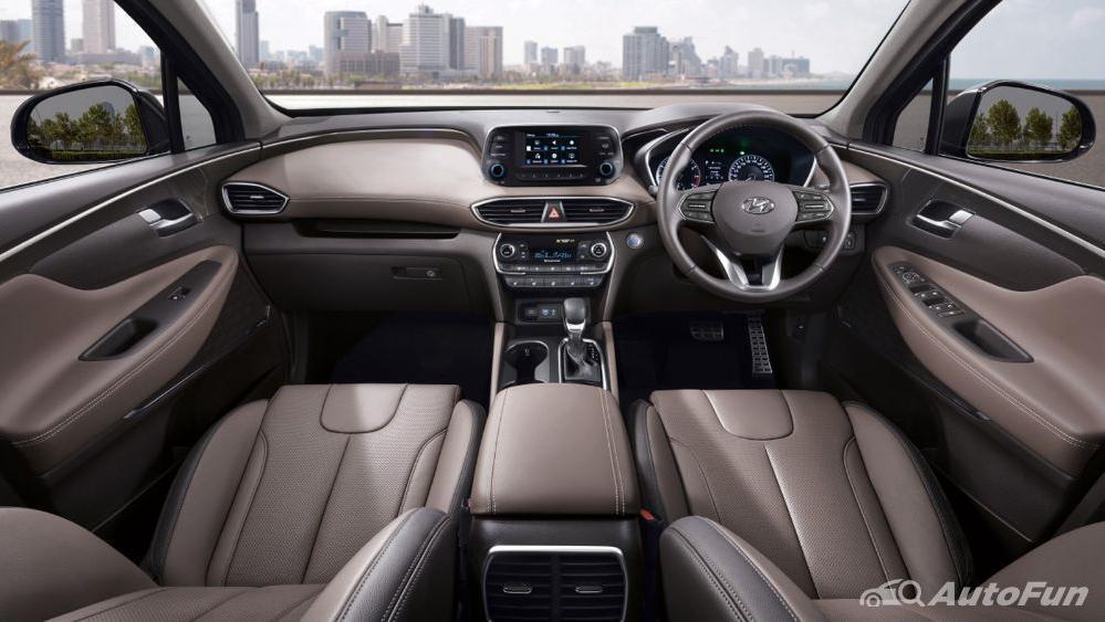 Hyundai Santa Fe 2019 Interior 001
