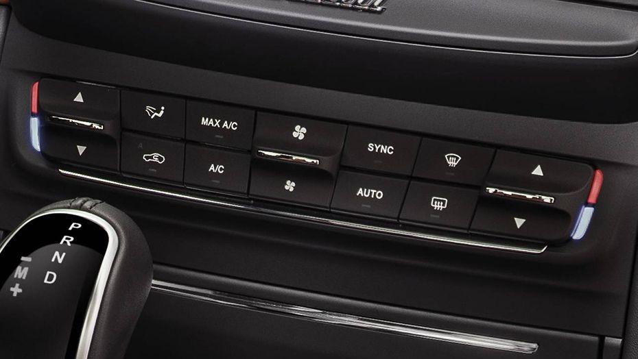 Maserati Ghibli 2019 Interior 007