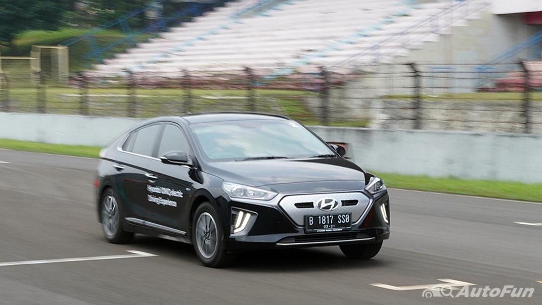 2021 Hyundai Ioniq Electric Exterior 017
