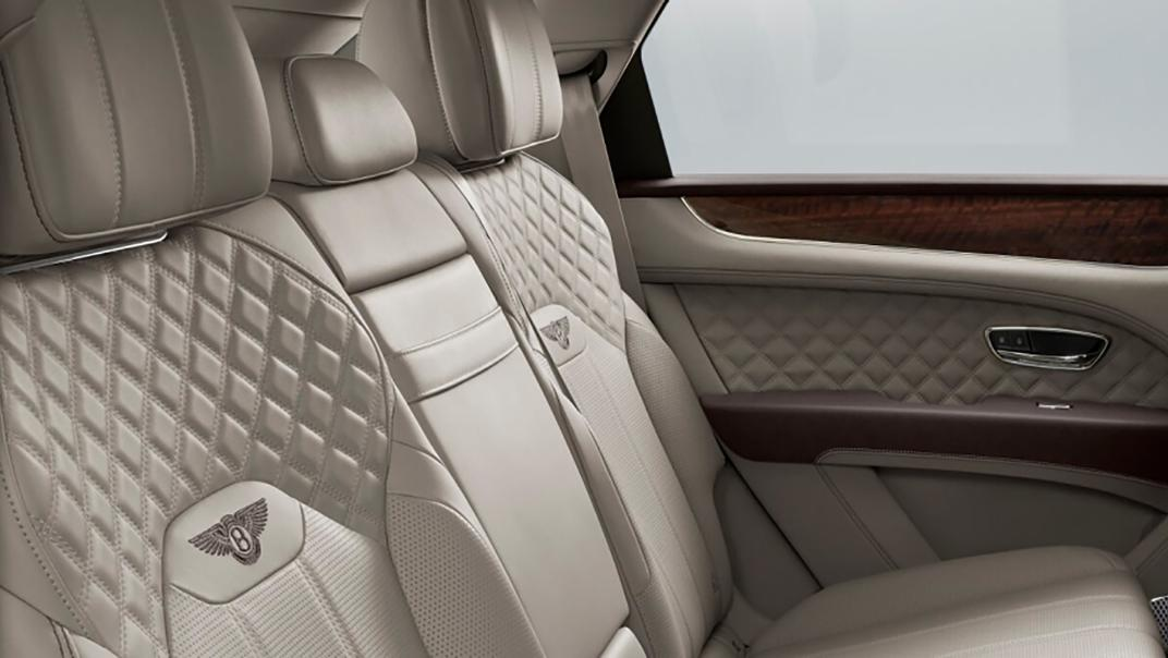 Bentley Bentayga 2019 Interior 010