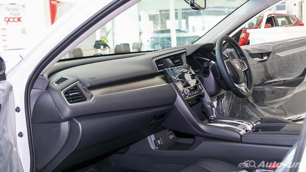 Honda Civic 2019 Interior 007