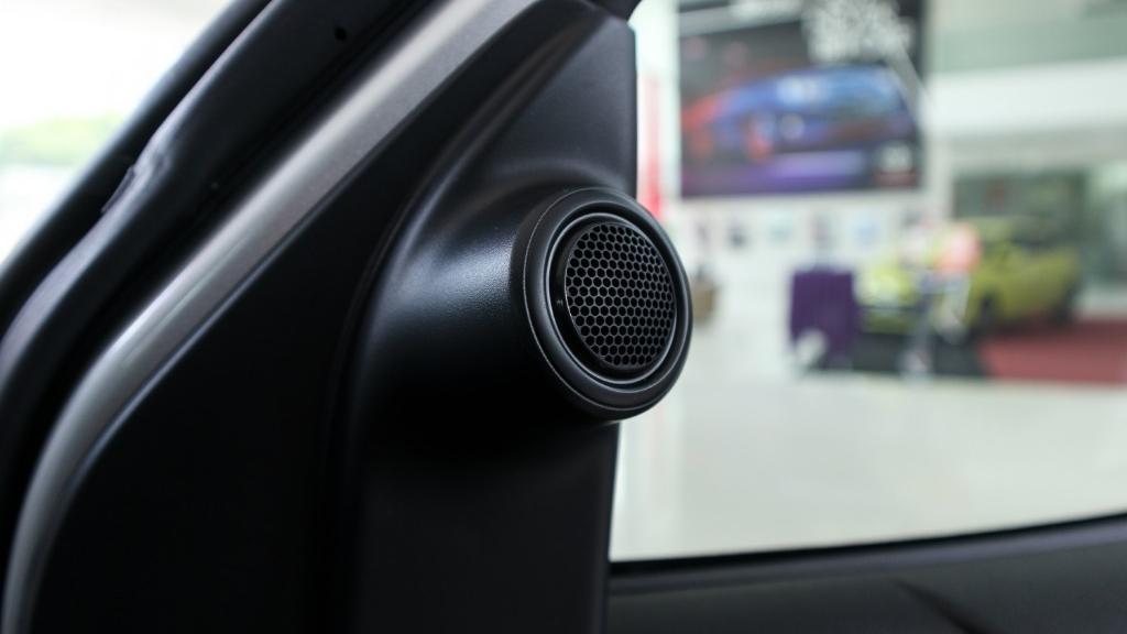 Toyota Hilux 2019 Interior 036