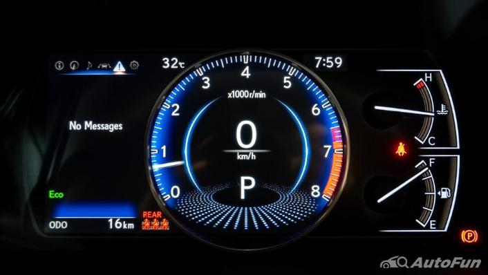 Lexus ES 2019 Interior 009