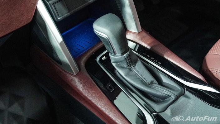 Toyota Corolla Cross Hybrid Interior 007
