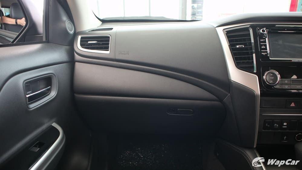 Mitsubishi Triton 2019 Interior 004