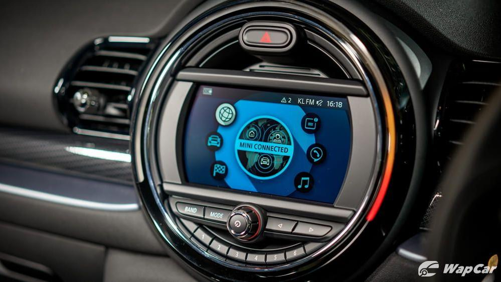MINI Clubman 2019 Interior 004