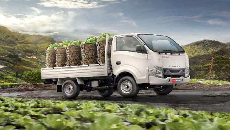Overview Mobil: Peluncuran pada 2020-2021 Isuzu Traga beserta harganya Rp232,300 - 204,800 dan daftar biaya cicilannya 01