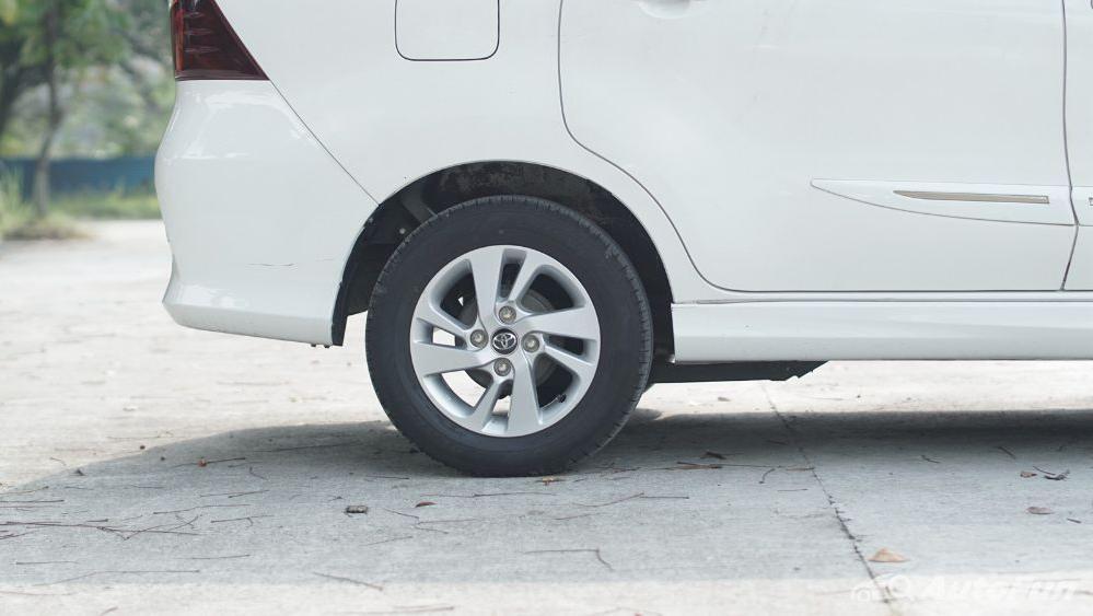 Toyota Avanza Veloz 1.3 MT Exterior 051
