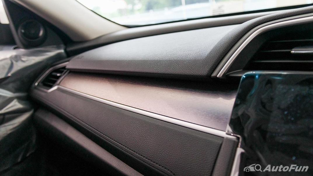 Honda Civic 2019 Interior 018