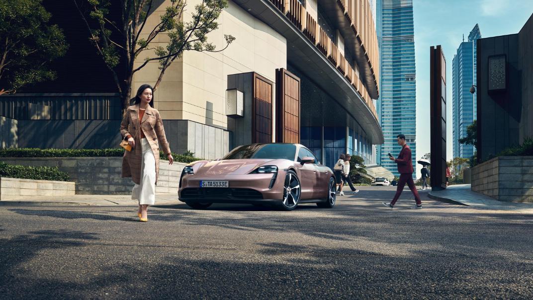 2021 Porsche Taycan Exterior 012