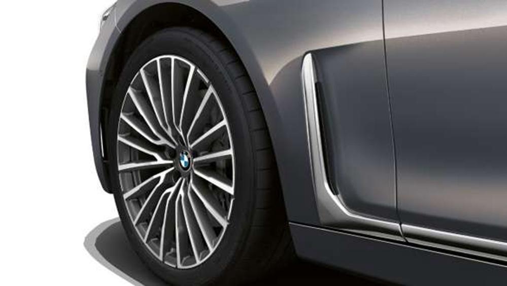 BMW 7 Series Sedan 2019 Exterior 011