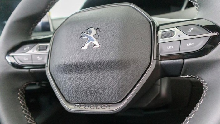 Peugeot 5008 2019 Interior 007