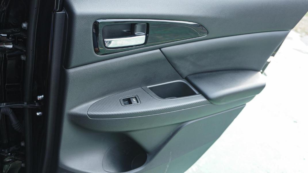 Mitsubishi Eclipse Cross 1.5L Interior 100