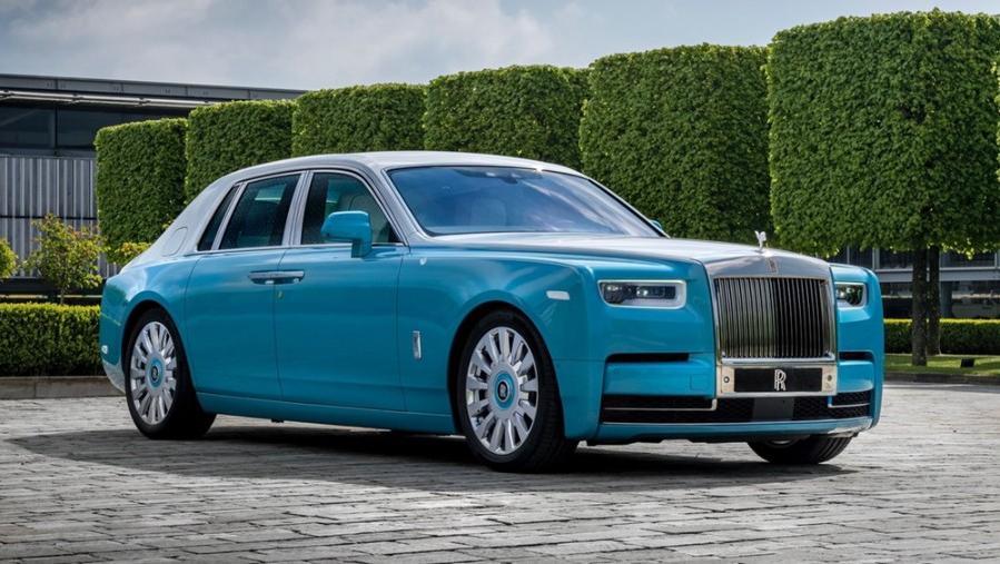 Rolls Royce Phantom 2019 Exterior 007
