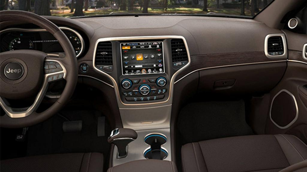Jeep Grand Cherokee 2019 Interior 002