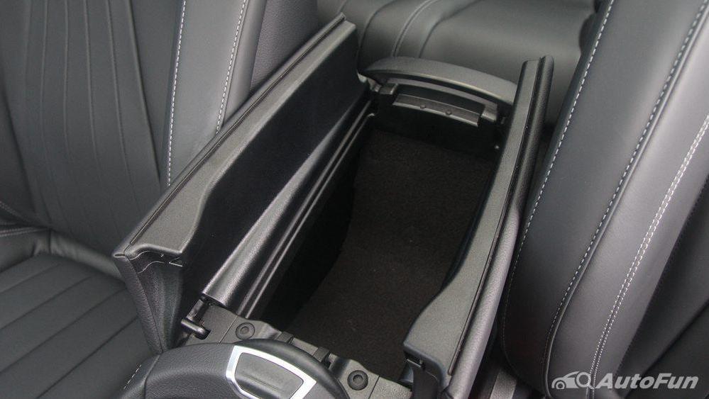 Mercedes-Benz E-Class 2019 Interior 023