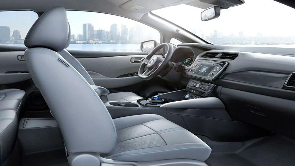 Nissan Leaf 2019 Interior 006