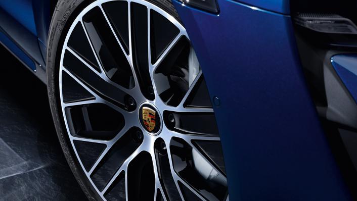 2021 Porsche Taycan Exterior 007