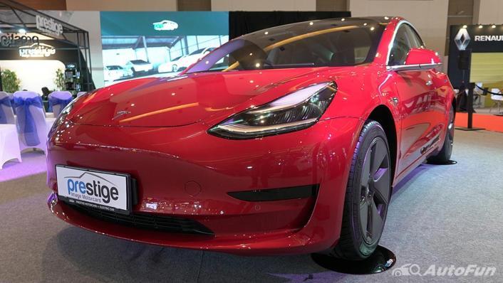 2021 Tesla Model 3 Exterior 001