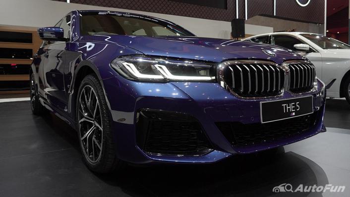 2021 BMW 5 Series Sedan Exterior 002