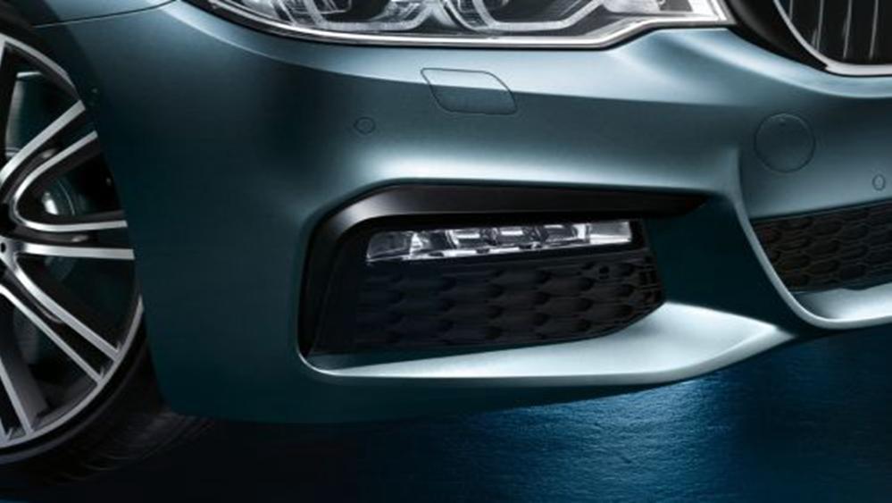 BMW 5 Series Sedan 2019 Exterior 009