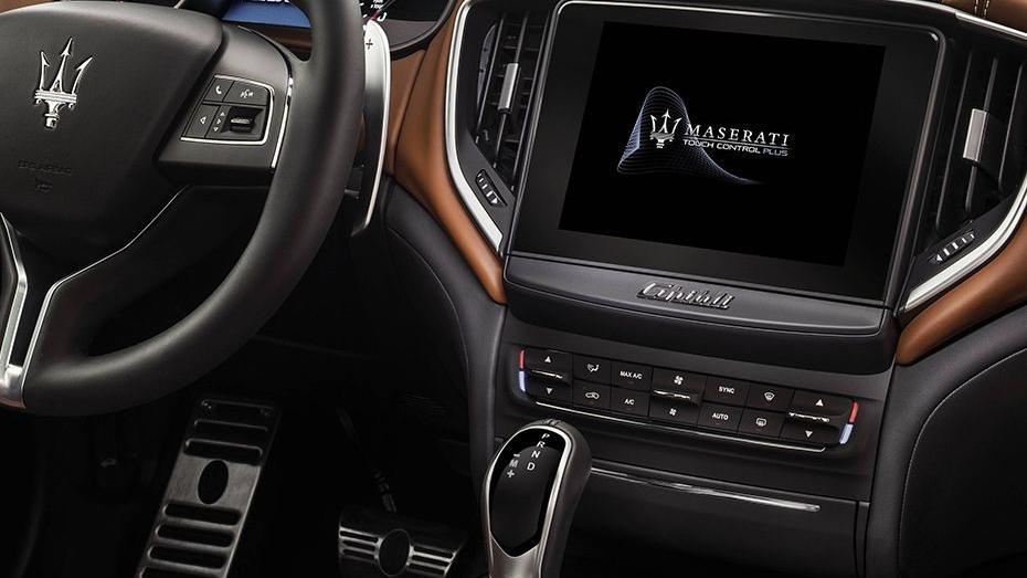 Maserati Ghibli 2019 Interior 003