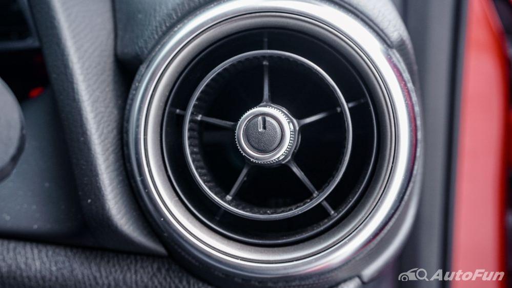 Mazda 2 GT AT Interior 025