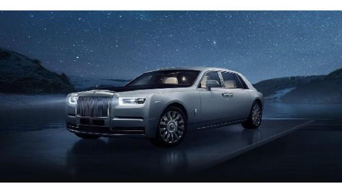 Rolls Royce Phantom 2019 Exterior 001