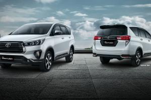 Adu Mobil Keluarga Setengah Miliaran Rupiah, Pilih Honda CR-V Turbo 2021 atau Toyota Venturer Diesel 2021?
