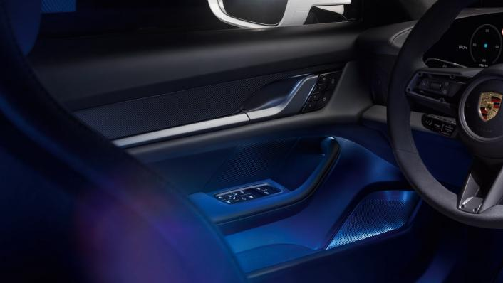 2021 Porsche Taycan Interior 004