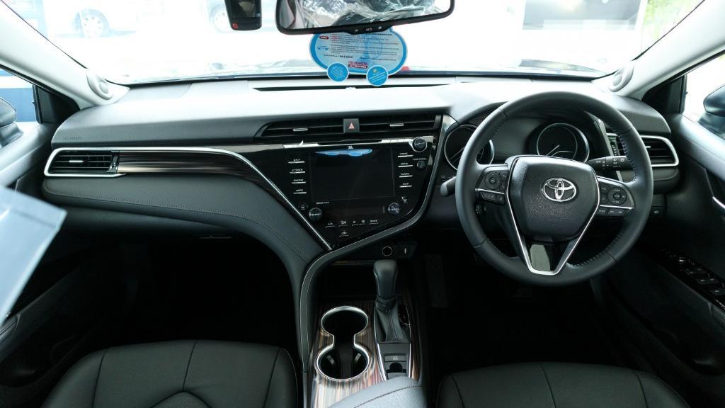 Toyota Camry 2019 Interior 001